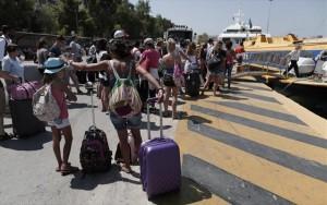 Υπ. Ναυτιλίας: Εξετάζονται περαιτέρω μειώσεις των τιμών των ακτοπλοϊκών εισιτηρίων