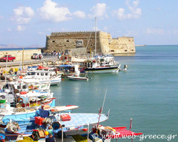 Heraklion: Venetian monuments, Minoan findings and amazing beaches