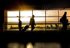 Τα μέτρα ασφαλείας για να υποδεχτεί η Ελλάδα τουρίστες το καλοκαίρι